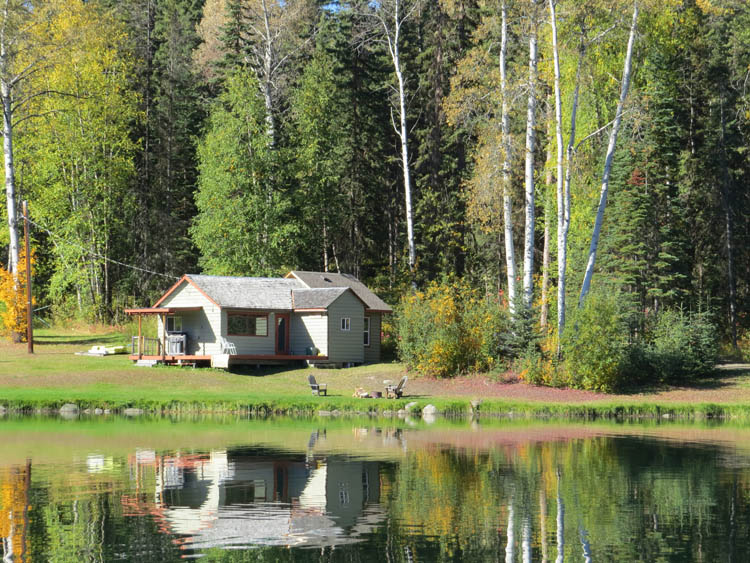 http://moosehavenresort.com/dev/wp-content/uploads/2015/03/Cabin-1-outside.jpg