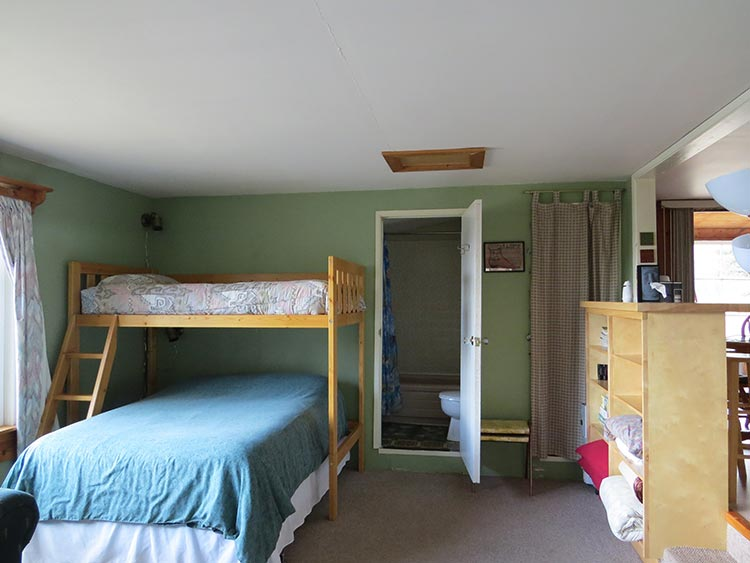 http://moosehavenresort.com/dev/wp-content/uploads/2015/04/beds1-web.jpg